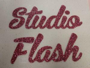 Felvasalható logó: rózsaszín csillámos felirat