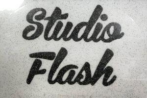 Felvasalható logó: fekete csillámos felirat