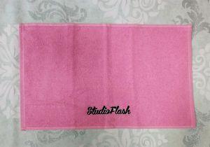 Törölköző - pink fekete - hímzett 30X50cm - StudioFlash